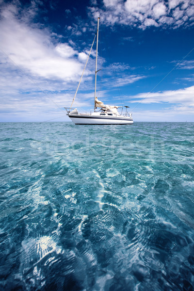Tropische vakantie jacht mooie strand wolken Stockfoto © kwest
