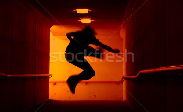 Punk direkt Wippe springen Tunnel Stadt Stock foto © kwest