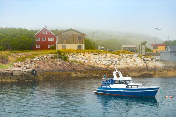 Barco costa casas Noruega escandinávia europa Foto stock © kyolshin
