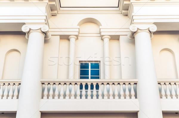 Detay Bina balkon pencere beyaz klasik Stok fotoğraf © kyolshin