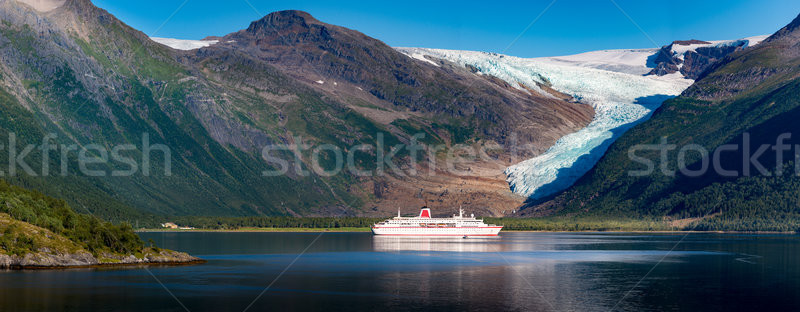 Navio de cruzeiro geleira Noruega panorama escandinávia europa Foto stock © kyolshin