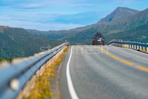 Autó hegy út Norvégia Európa autó Stock fotó © kyolshin