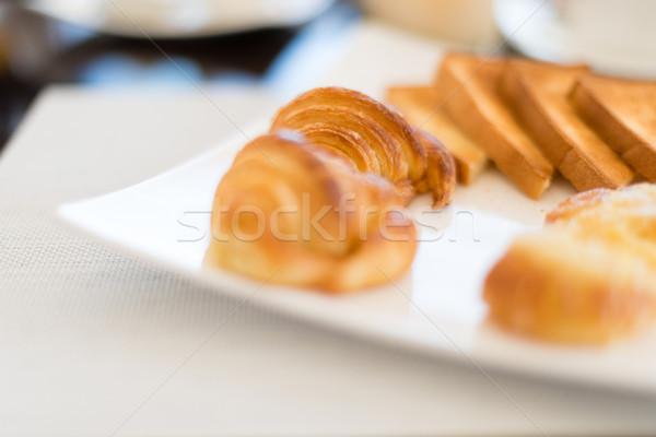 Taze lezzetli pasta plaka kafe Stok fotoğraf © kyolshin