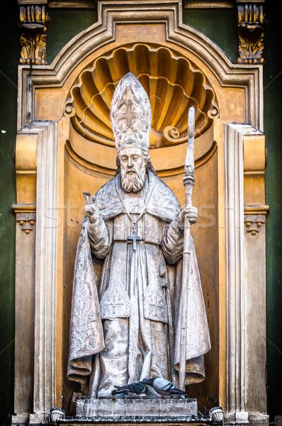 Católico sacerdote estatua agradable catedral detalle Foto stock © kyolshin