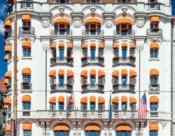 Régi ház város Svédország Európa Fehér ház utca Stock fotó © kyolshin