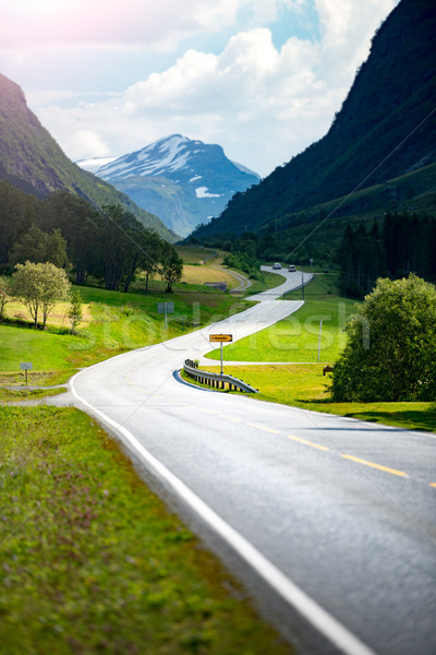 út hegyek Norvégia Európa autó utazás Stock fotó © kyolshin