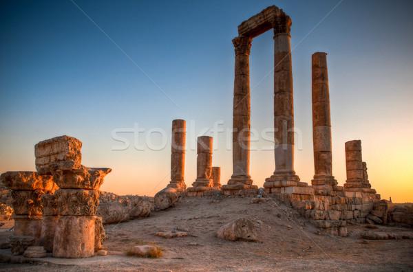 Ruiny świątyni starożytnych słońce wygaśnięcia niebo Zdjęcia stock © kyolshin