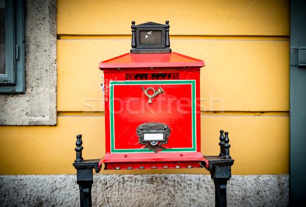 öreg postaláda utca Budapest klasszikus piros Stock fotó © kyolshin