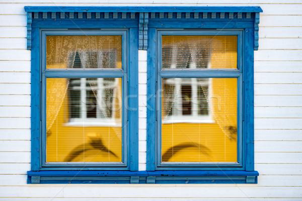 Hagyományos ház Norvégia Európa ablak részletek Stock fotó © kyolshin