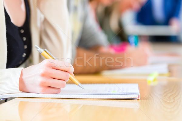 Kolej Öğrenciler yazı test sınav üniversite Stok fotoğraf © Kzenon