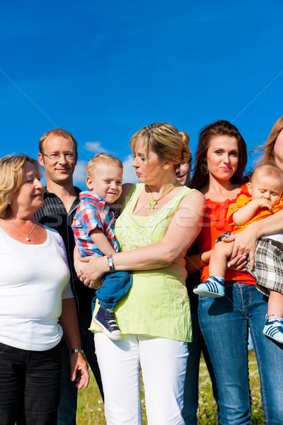 Famille amusement prairie été mère père Photo stock © Kzenon