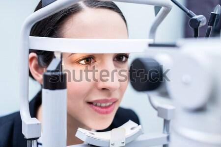 женщину глазах испытание оптик магазин Сток-фото © Kzenon