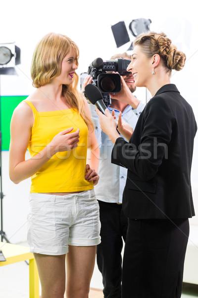 Muhabir görüşme film aktris ayarlamak Stok fotoğraf © Kzenon