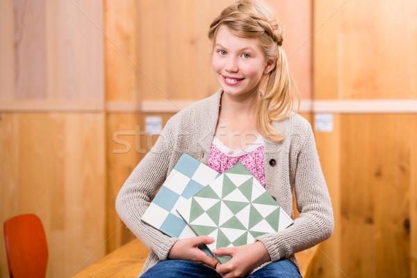 Criança piso azulejos melhoramento da casa armazenar cimento Foto stock © Kzenon