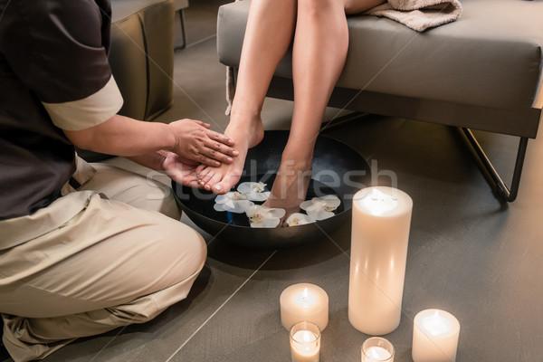 Kezek ázsiai terapeuta láb mosás kezelés Stock fotó © Kzenon