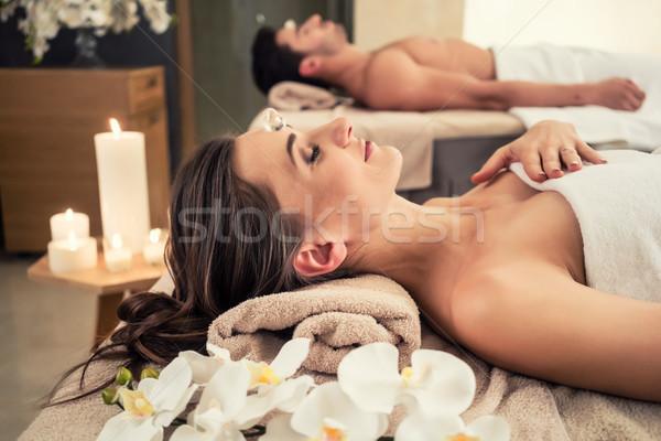 Mann entspannenden Partner Massage Wellness Zentrum Stock foto © Kzenon