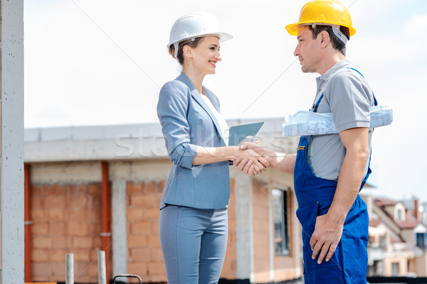 Handshake promoteur constructeur acceptation travaux Photo stock © Kzenon