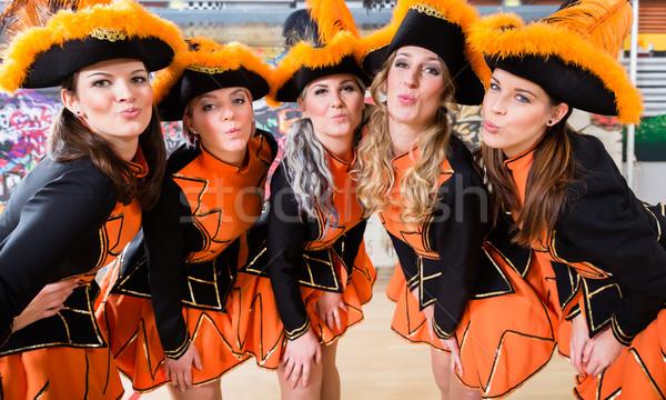Folklore groupe danse carnaval rose femme Photo stock © Kzenon