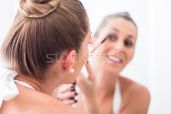 女性 マスカラ バス ミラー 眼 ストックフォト © Kzenon