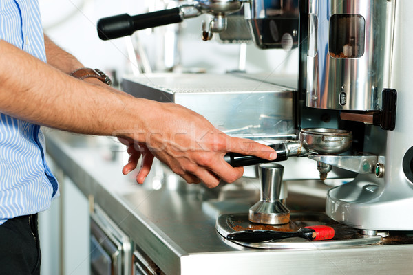 Barista espresso hand koffie werk werken Stockfoto © Kzenon