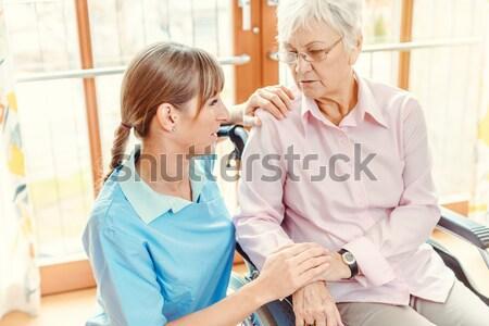 Abuelita nieta argumento Servicio abuela altos Foto stock © Kzenon