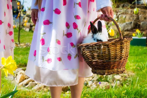 Foto stock: Ninos · vacaciones · primavera · pradera · Conejo · de · Pascua