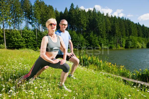 érett pár sport kint idős pár jogging Stock fotó © Kzenon