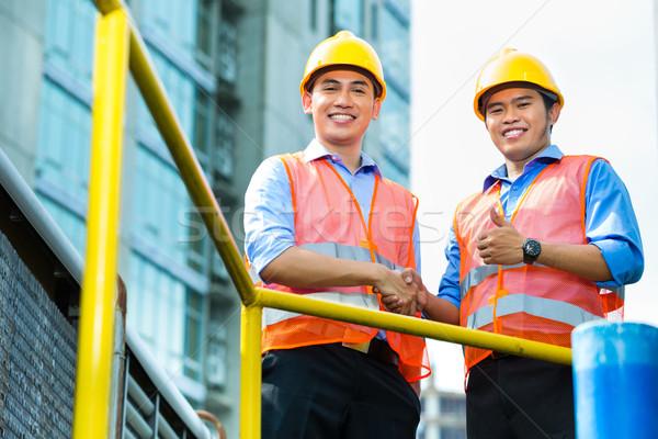 азиатских индонезийский строительство рабочие здании Сток-фото © Kzenon