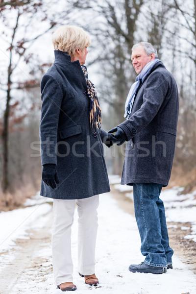 Idős nő férfi közmondás viszlát pár Stock fotó © Kzenon