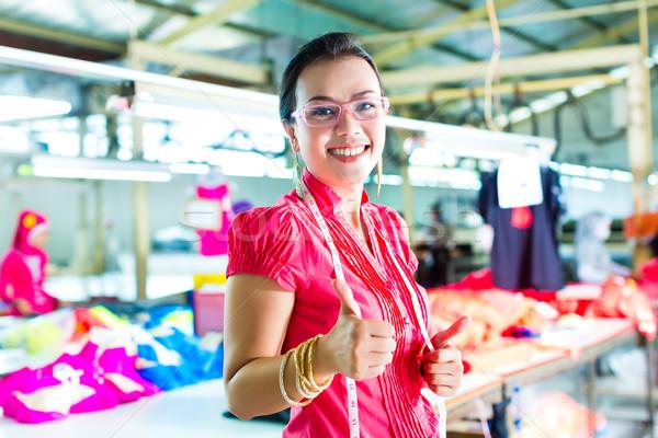 Asian textiles usine Homme chinois designer Photo stock © Kzenon