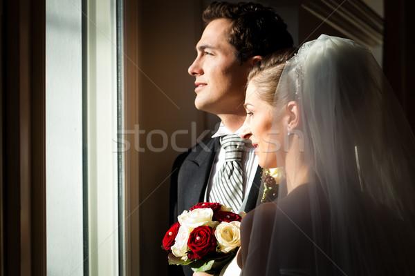 ストックフォト: ブライダル · カップル · 結婚式 · 立って · ウィンドウ · 見える