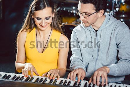 Piano leraar muziek ervaring student school Stockfoto © Kzenon