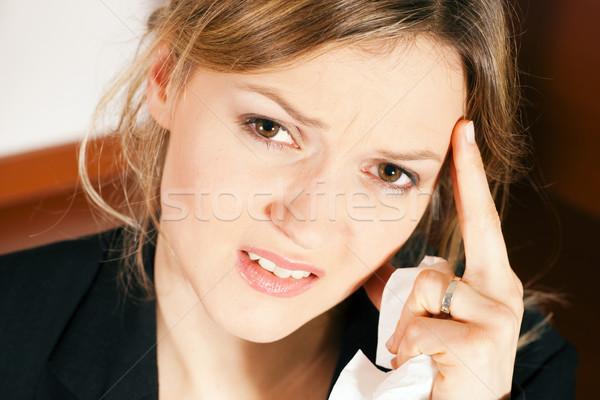 Mujer dolor de cabeza sentimiento indispuesto cabeza Foto stock © Kzenon