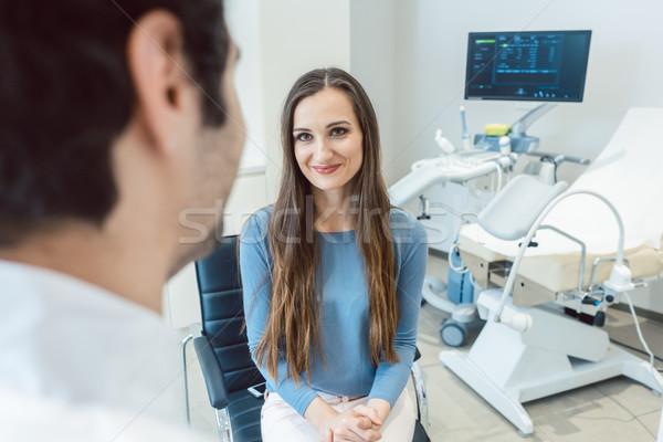 Nő nőgyógyász orvos iroda férfi orvosi Stock fotó © Kzenon