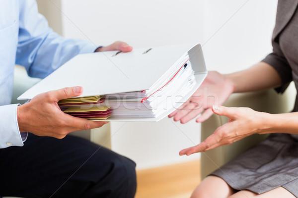 Finansal danışman müşteri belgeler iş Stok fotoğraf © Kzenon