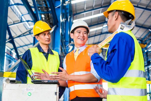 Equipe fábrica produção treinamento trabalhadores engenheiro Foto stock © Kzenon
