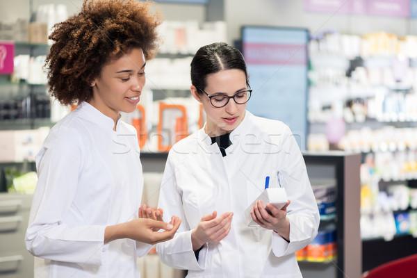 Dwa pakiet nowego farmaceutyczny narkotyków doświadczony Zdjęcia stock © Kzenon