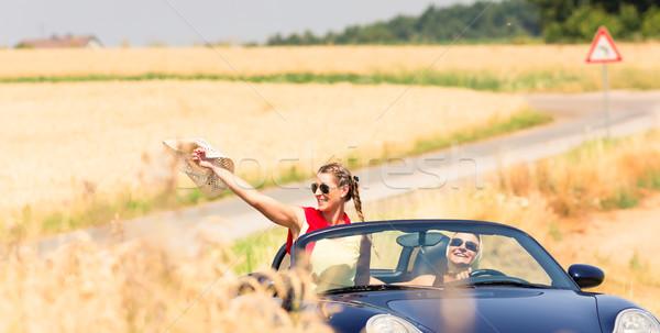 Amici estate auto donna cielo Foto d'archivio © Kzenon