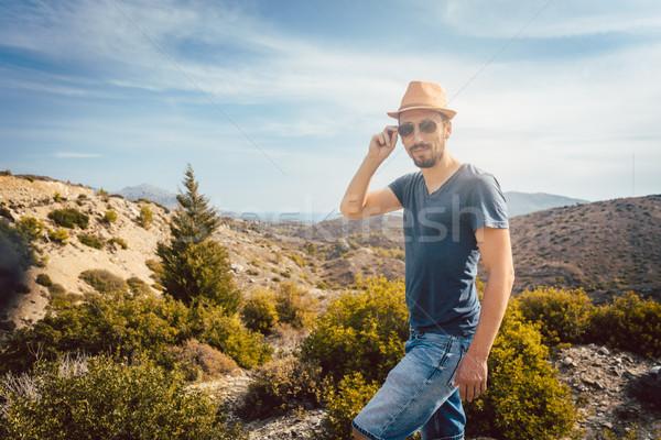 Hombre turísticos meridional europeo paisaje Foto stock © Kzenon