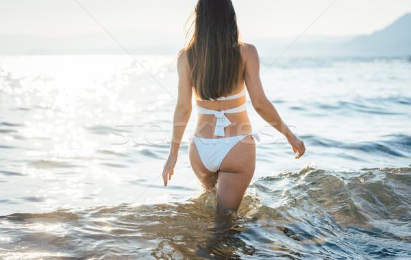 Torso mujer hermosa playa océano mujer agua Foto stock © Kzenon