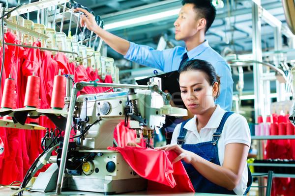 Vardiya yönetici tekstil fabrika işçi dikiş Stok fotoğraf © Kzenon