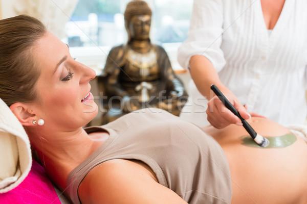 Gyógyító Föld terápia terhes nő műtét messze Stock fotó © Kzenon