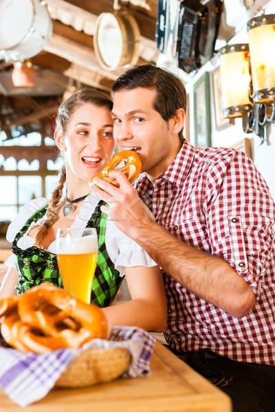 Stockfoto: Paar · drinken · tarwe · bier · restaurant