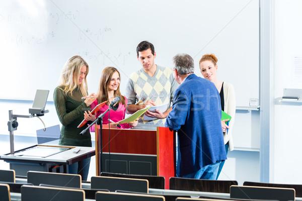 élèves professeur collège auditorium Photo stock © Kzenon