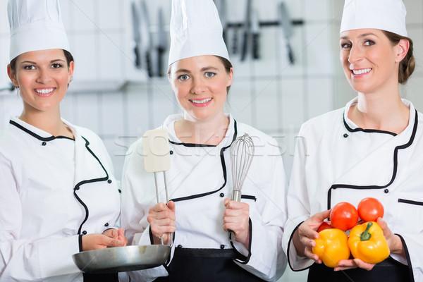 Női séfek gasztronómia üzlet bemutat termékek Stock fotó © Kzenon