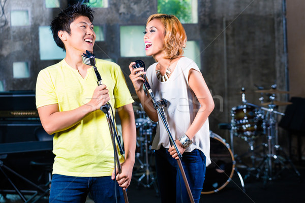 ázsiai énekes dal zenei stúdió profi zenész Stock fotó © Kzenon