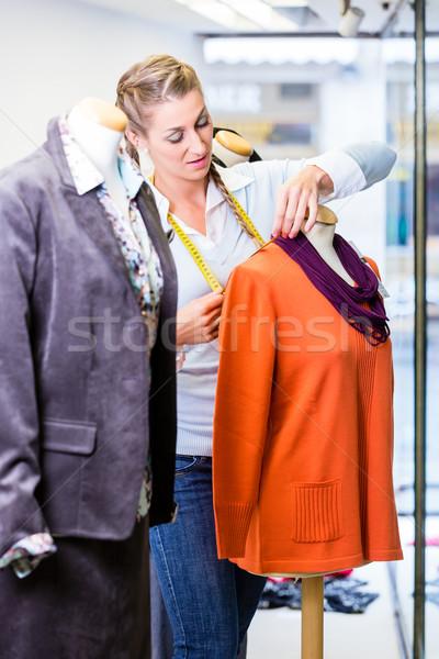 Empresa de pequeno porte proprietário curativo compras janela novo Foto stock © Kzenon