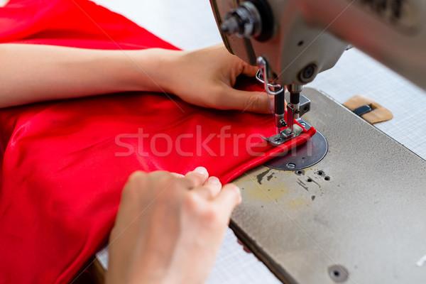 подробность швейные машины женщину портной семинар работу Сток-фото © Kzenon