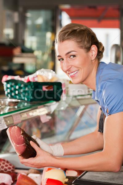 Mulher feminino açougueiro presunto compras Foto stock © Kzenon