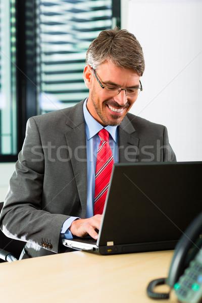 Laptop business kantoor baas laptop computer Stockfoto © Kzenon